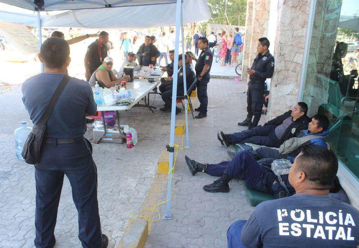 los elementos de Seguridad Pública cumplieron 21 días de paro para exigir prestaciones. (Foto: Sara Cauich/SIPSE)
