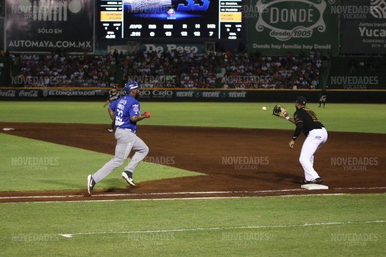 ¡De presidente a gurú deportivo!; AMLO da su pronóstico para la MLB