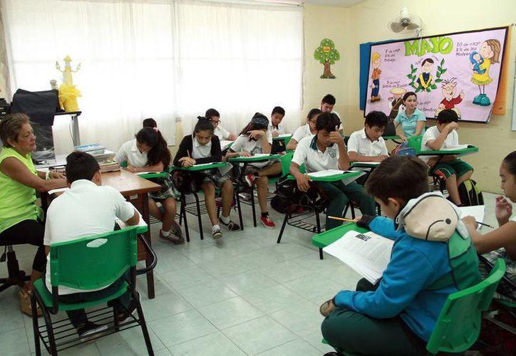 Estudiantes de los diversos niveles empezarán a presentar exámenes esta semana (Milenio Novedades).