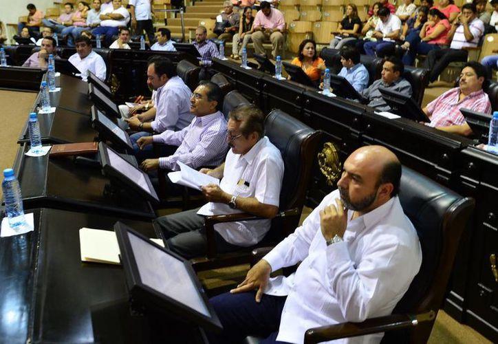 Las iniciativas presentadas ayer por varias fracciones parlamentarias en el Congreso del Estado, serán presentadas al pleno. (Milenio Novedades)