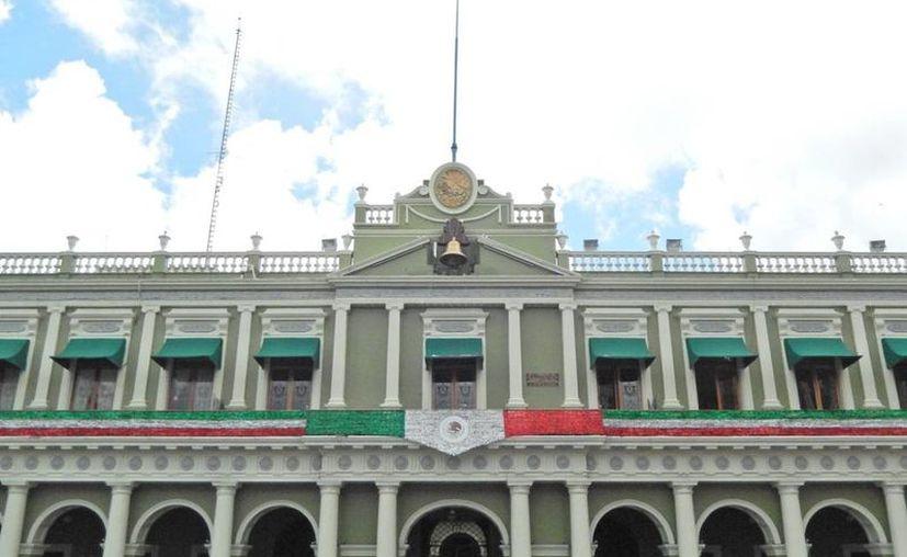 Las autoridades ya están investigando las irregularidades detectadas durante el mandato de Javier Duarte en Veracruz. En la imagen, el Palacio de Gobierno en Xalapa. (formato7.com)