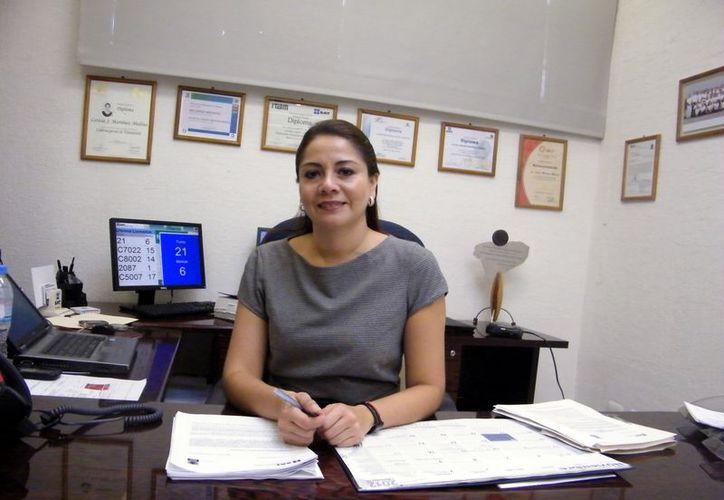 Leticia Martínez Medina, administradora local de Servicios al Contribuyente de Mérida, dio una serie de recomendaciones. (Jaime Tetzpa / SIPSE)