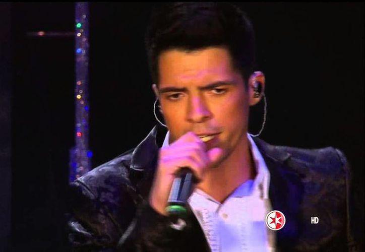 Captura de pantalla del video del debut de César D'Alessio. (YouTube/Miguel Contreras Martinez)