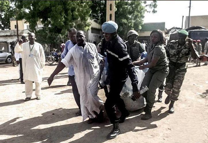 Los ataques en Camerún dejaron al menos 28 personas muertas y 65 heridos. (AFP)