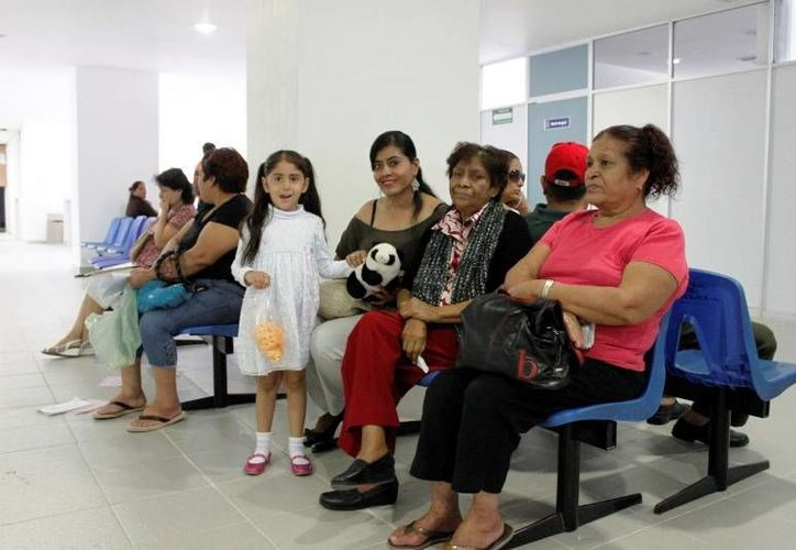Los derechohabientes tendrán un espacio digno para la espera de sus consultas y dotación de medicinas en Quintana Roo. (Harold Alcocer/SIPSE)