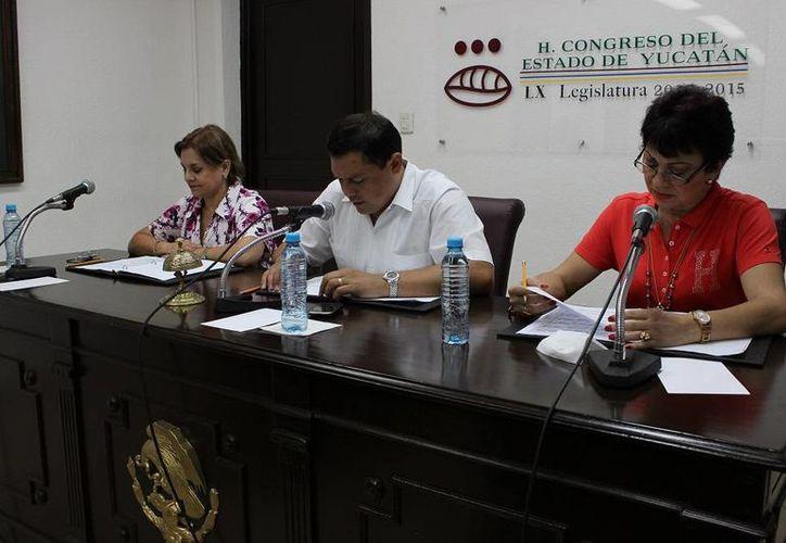 Integrantes de la Diputación Permanente durante la sesión de esta mañana en el Congreso. (SIPSE)