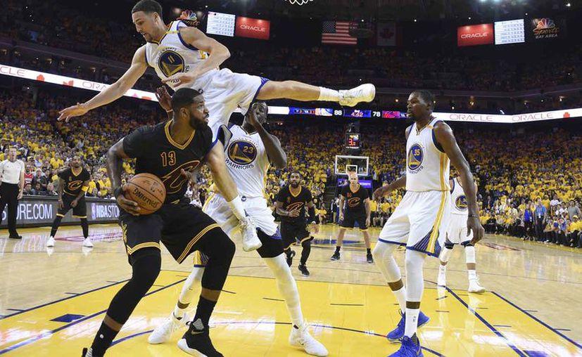 Los Warriors conquistaron el lunes el campeonato de la NBA. (Foto: AP)