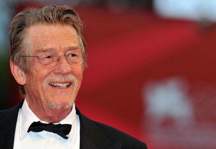 """El actor británico John Hurt, famoso por sus papeles en filmes como """"Harry Potter"""" y """"Allien"""", entre otros, dio a conocer que padece cáncer de páncreas y se encuentra en tratamiento. (Fotografía: german.fansshare.com)"""