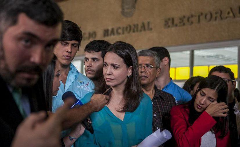 María Corina Machado fue señalada de un complot contra Maduro tras la divulgación de supuestos correos electrónicos que compartió con opositores. (EFE)