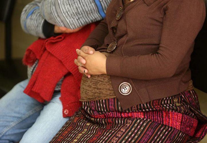 Un médico marroquí es juzgado por expedir un certificado de virginidad a una mujer embarazada. (EFE/Archivo)