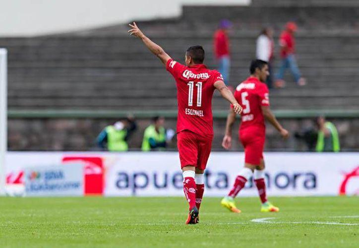 A penas a los 21 segundos, Carlos Esquivel hizo la primera de las dos diabluras ante Pachuca. (Liga MX)