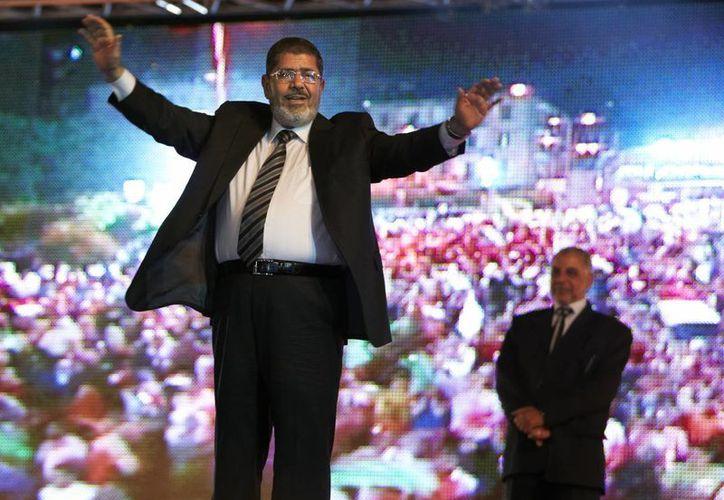 Foto del 2012 del entonces candidato presiddencial de la Hermandad Musulmana, Mohamed Morsi. (Agencias)