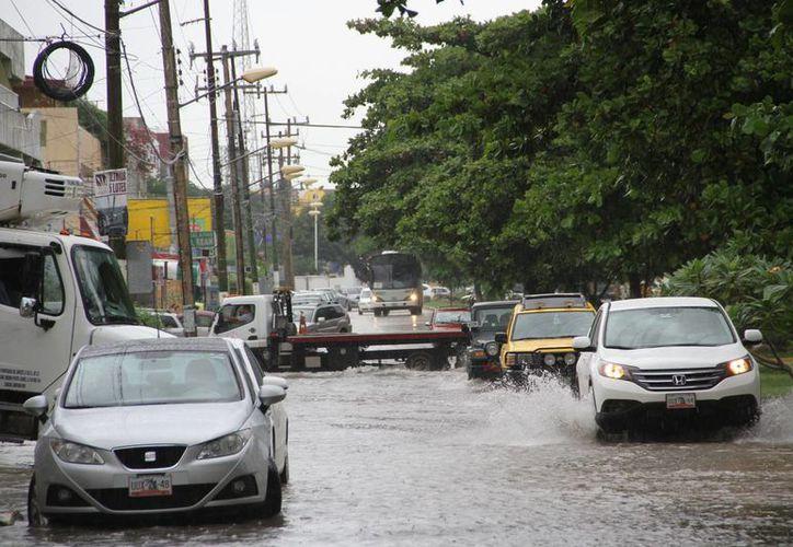 Fueron vigiladas las zonas más vulnerables a inundaciones. (Tomás Álvarez/SIPSE)