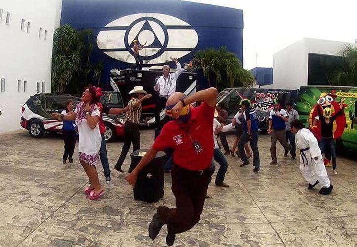 Incontables empresas alrededor del mundo bailaron al ritmo del Harlem Shake. (Archivo)