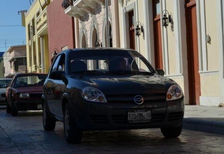 Este año aplica también el refrendo para vehículos con precio menor a 300 mil pesos. (SIPSE)
