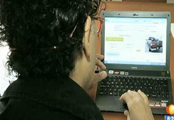 La Policía Ministerial y la Policía Cibernética investiga los casos de fraude en la compra-venta de autos por internet. (Captura de pantalla/YouTube)