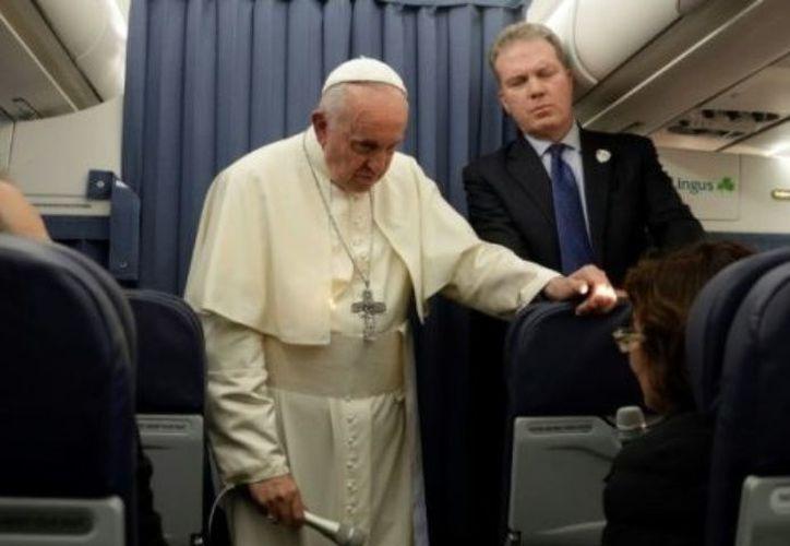 La mayoría de los activistas LGBT entrevistados por las AFP ven esto como un petardo, mientras que la Iglesia está actualmente sacudida por nuevos escándalos de pedofilia. (AFP)