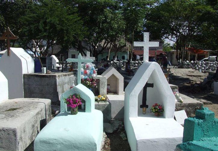 Actualmente el cementerio local alberga a entre 2 mil y 2 mil 500 difuntos.  (Rossy López/SIPSE)