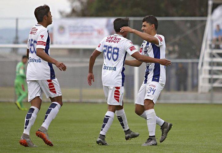 Los Tuzos del Pachuca es uno de los equipos mexicano que mejor trabaja las fuerzas básicas. En un jugador con cualidades, el Pachuca inviertes aproximadamente 80 mil pesos anuales. (Facebook: Pachuca)