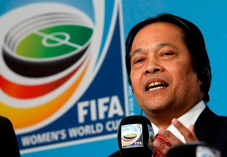 Worawi Makudi, presidente de la Federación de Futbol de Tailandia, fue suspendido por la FIFA. (Archivo/bigsoccer.com)