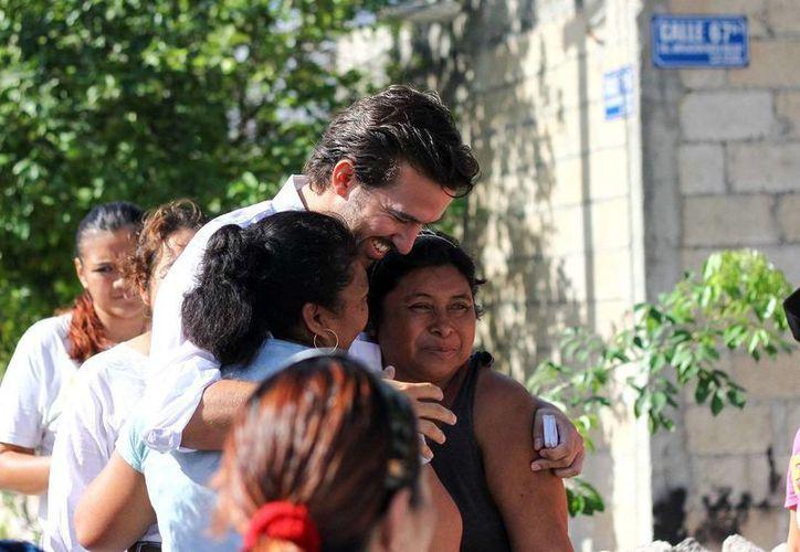 Pablo Gamboa Miner ha mantenido el contacto con la ciudadanía. (Milenio Novedades)