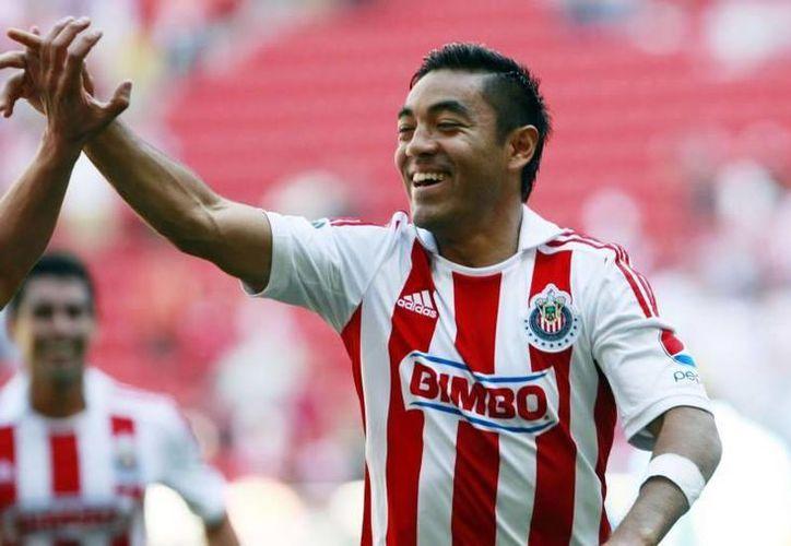 Recientemente Fabián fue noticia al anunciar que dejaría de entrenar con Chivas mientras se hacía su traspaso a Qatar, lo cual no se concretó. (Archivo Notimex)