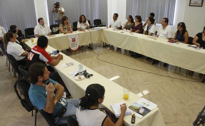 La Ciudad de la Alegría y el Centro de Integración Juvenil firmaron un convenio. (Sergio Orozco/SIPSE)