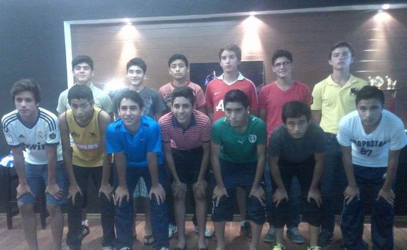 Integrantes del equipo Sub-15 de Venados del CF Mérida. (Marco Moreno/SIPSE)