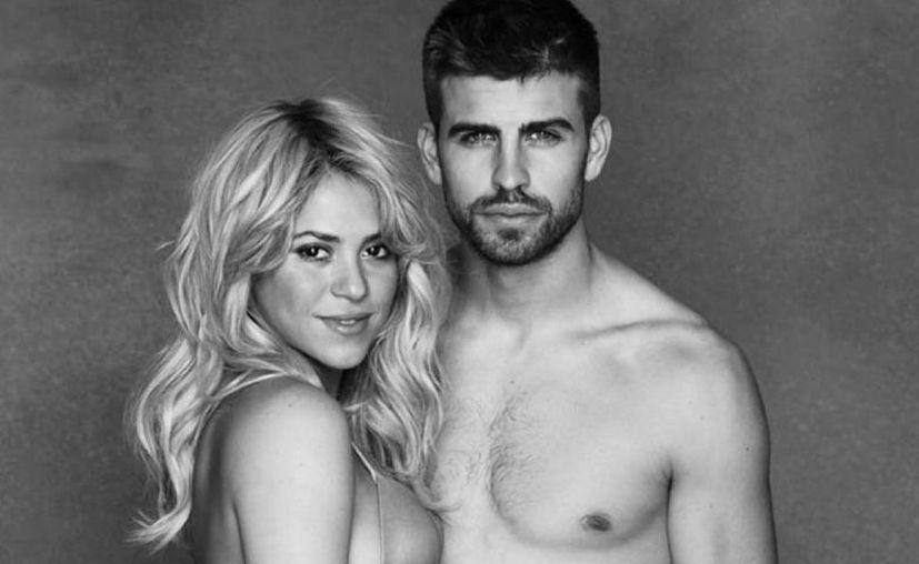 Shakira concedió una entrevista exclusiva a un medio de información de México y confirmó que espera a su segundo hijo. En la imagen la cantante cuando esperaba a su primer hijo acompañado de Gerard Piqué.(@Unicef)