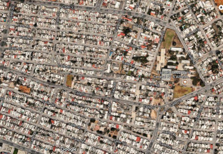 El ataque con bomba molotov ocurrió en el fraccionamiento Residencial Pensiones, de Mérida. (Google Maps)