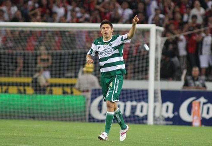 Oribe marcó un doblete ante los regios y dio el pase para el gol de Néstor Calderón. (starmedia.com)