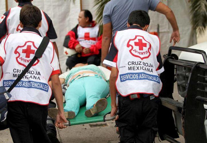 La mujer que resultó lesionada en el intento de atraco fue trasladada a la Cruz Roja. La imagen se utiliza con fines meramente referenciales. (Archivo/Notimex)