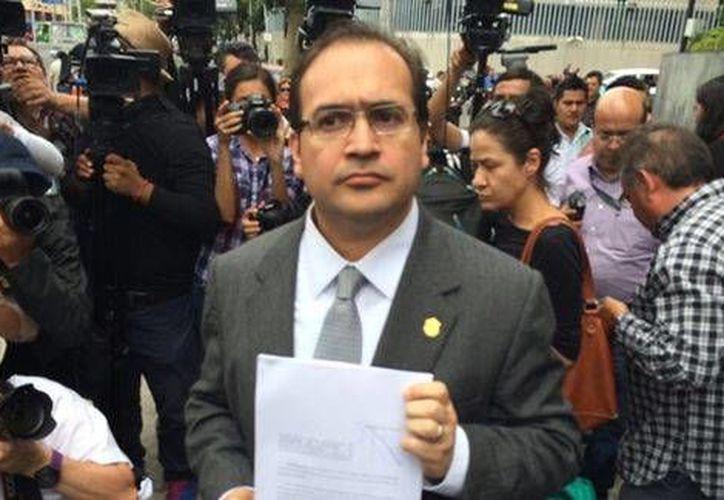 El gobernador de Veracruz, Javier Duarte, presentó este miércoles 12 de agosto solicitud de licencia para separarse del cargo. (Foto: Alejandro Madrigal/Milenio)
