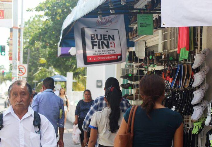 Artículos de línea blanca, electrónicos, ropa y zapatos es lo que los habitantes compran más. (Octavio Martínez/SIPSE)