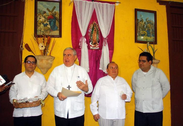 El Arzobispo de Yucatán participó en el convivio con el clero del Estado. (Juan Albornoz/SIPSE)