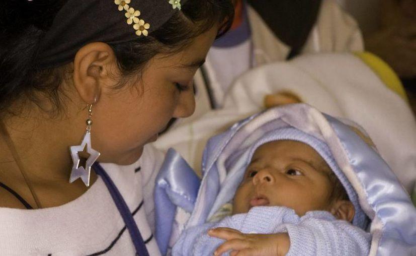 Cada año se producen en el mundo 7.3 millones de partos de niñas y adolescentes. (Archivo/EFE)