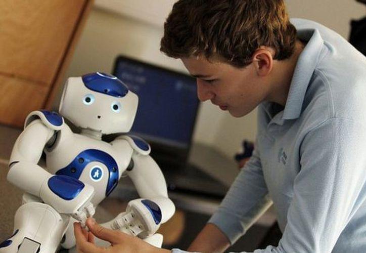 Los investigadores utilizaron los robots humanoides NAO de SoftBank Robotics. (Contenido/Internet)