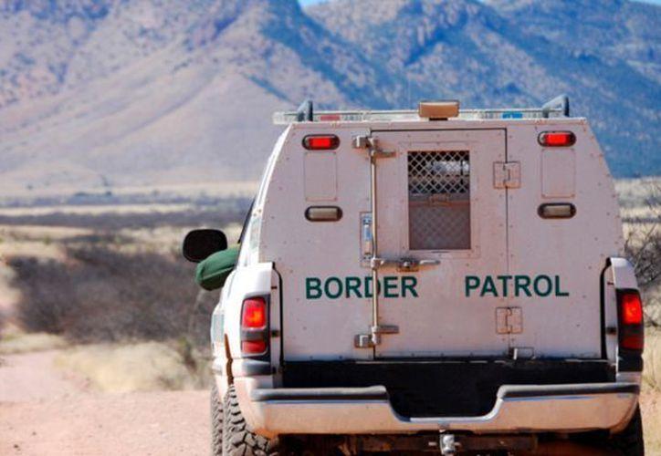 Uno de los elementos de seguridad de la frontera fue agredido por una persona que al parecer están de ilegales en ese país. (Foto: Debate)
