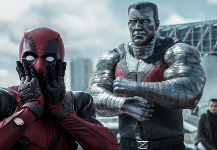 En febrero pasado 'Deadpool' causó polémica cuando su protagonista, Ryan Reynolds, habló de la posibilidad de que el personaje tenga un novio. (Archivo AP)