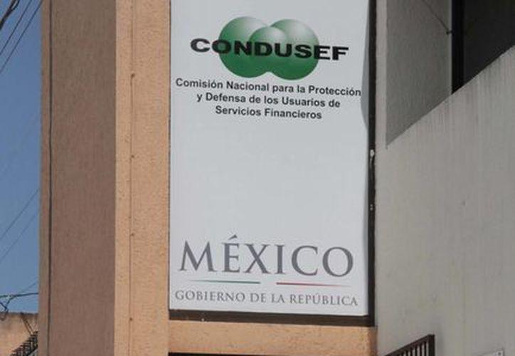 La Condusef hace un llamado a la población para evitar el uso de este método de pago. (Tomás Álvarez/SIPSE)