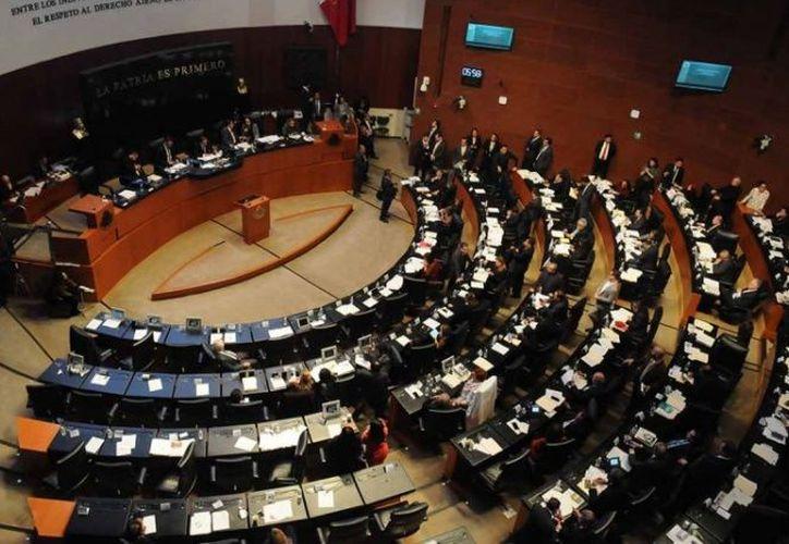 El reglamento del Senado de la República contempla las facultades del presidente de la Mesa Directiva. (excelsior.com)