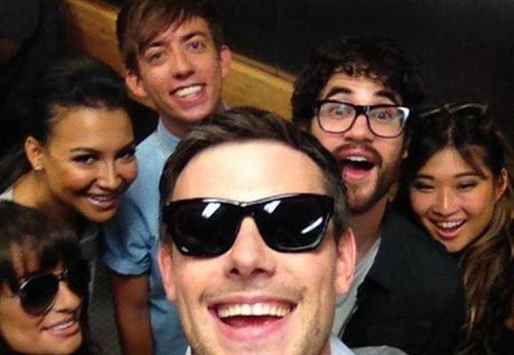 Cory Montheith y parte del elenco de 'Glee'. (@CoryMonteith)