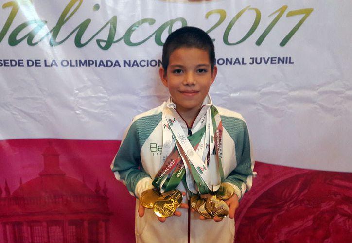 Sion Galaviz Medina es indiscutiblemente el Rey de la Olimpiada Nacional 2017: ganó 7 medallas de oro en ajedrez, para Yucatán. (Milenio Novedades)