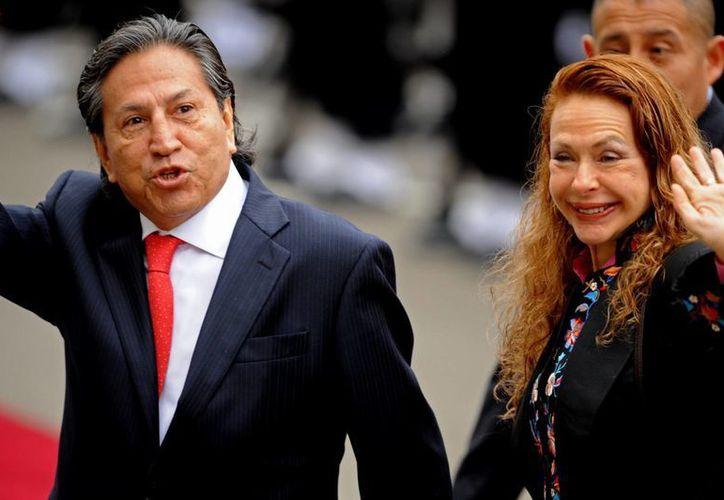 Alejandro Toledo y su esposa Eliane Karp, en imagen de archivo (EFE)