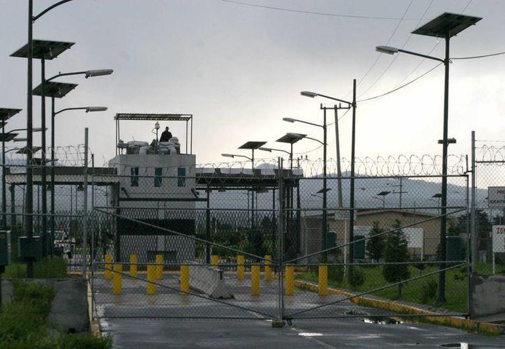 Hasta el momento se desconoce con certeza qué fue lo que las autoridades encontraron dentro del reclusorio de Puente Grande. (Archivo/Milenio)