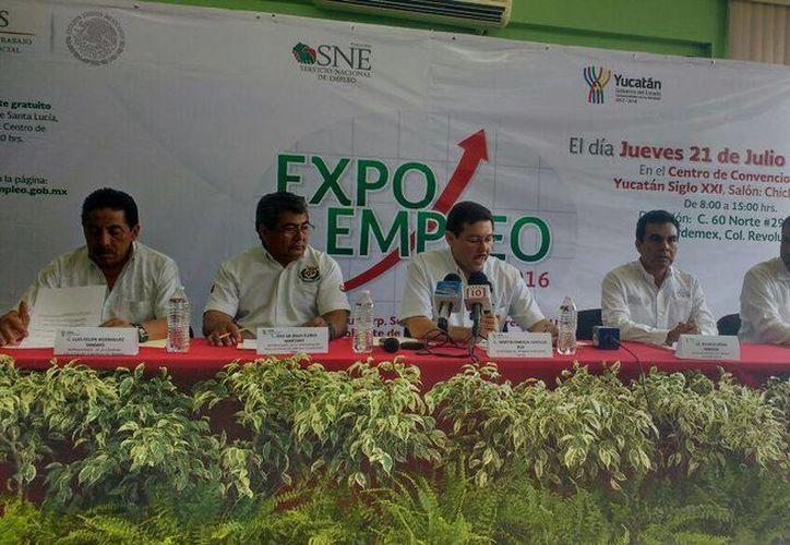 El Gobierno anunció que en la Expo Empleo 2016 habrá mil 500 plazas laborales, con salarios que van de los 3,800 a los 30,000 pesos. (Candelario Robles/SIPSE)