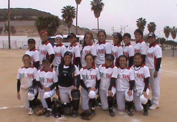 El equipo de softbol femenil. (Milenio Novedades)