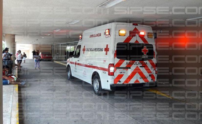 Los dos menores fueron trasladados al hospital para recibir la atención médica correspondiente. (Foto: Redacción/S]IPSE)