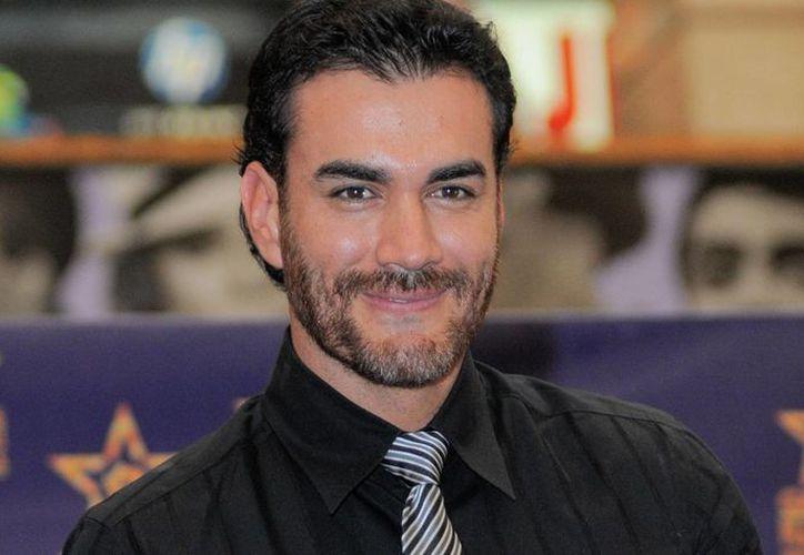 El actor David Zepeda dijo que el video íntimo en el que aparece fue motivo de una extorsión y que lo amenazaron con sacarlo a la luz desde hace varios años. (us.azteca.com)