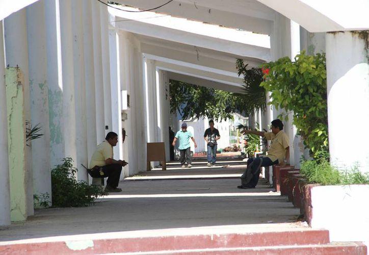 """Considera que Puerto Juárez puede ser una """"Quinta Avenida"""". (Tomás Álvarez/SIPSE)"""